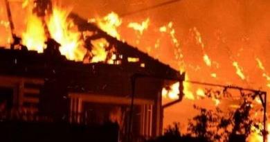 Lugoj Expres Tragedie, la Belinț! Un bătrân a murit într-un incendiu, după ce a adormit cu lumânarea aprinsă tragedie pompieri intervenție incendiu foc Belinț bătrân decedat