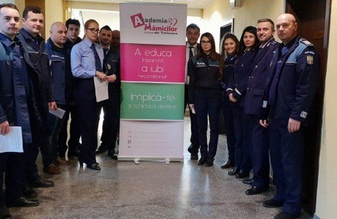 Lugoj Expres Polițiștii se implică și schimbă destine, donând sânge pentru copiii suferinzi sânge polițiștii lugojeni polițiștii IPJ Timiș Implică-te și schimbă destine donare campanie Academia Mămicilor