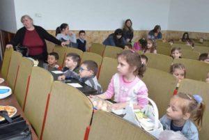 Lugoj Expres Concurs de încondeiat ouă, organizat de OFSD Lugoj PSD OFSD Lugoj OFSD încondeiat ouă copii concurs