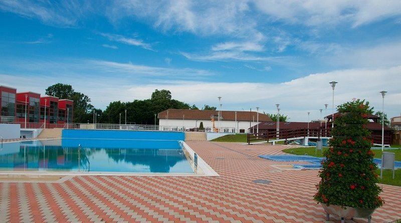 Lugoj Expres Vineri se deschide Ștrandul Municipal! În primele 4 zile intrarea e gratuită ștrand salvamari program primăria lugoj Lugoj intrare gratuită funcționare deschide bazin bază de agrement