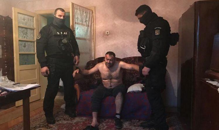 Lugoj Expres Criminalul din Lugoj, care a ucis un polițist, a fost capturat urmărit general ucigaș prins tupe speciale trupe speciale tâlhărie Recaș polițist împușcat luptători lugojean Izvin înarmat capturat alertă