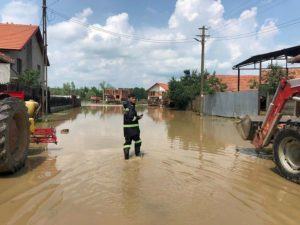 Lugoj Expres Cod roșu de inundații, în zona Balinț - Chizătău primari precipitații abundente pompieri ploi pericol Lugoj ISU Timiș inundații întrunire evacuarea apelor Coștei cod roșu Chizătău centru mobil de comandă Bega Balinț apă