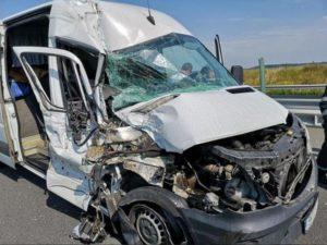 Lugoj Expres Microbuz răsturnat, pe autostrada A1 Timișoara persoane rănite microbuz răsturnat microbuz Lugoj autostrada A1 Autostrada accident