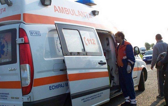 Lugoj Expres Autoturism răsturnat, după o depășire. Două persoane au fost rănite vătămare corporală persoane rănite mașină Hitiaș DJ 572 depășire Buziaș autoturism răsturnat accident