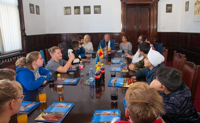 Lugoj Expres Educație nonformală! Schimb de experiență Clubul Copiilor Lugoj - Centrul de Copii și Tineret Klex (Jena, Germania) vizită schimb de experiență proiect primăria lugoj Lugoj Jena Germania elevi educație nonformală Clubul Copiilor Lugoj Centrul de Copii și Tineret Klex