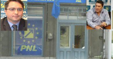 """Lugoj Expres Încep epurările în PNL Lugoj: Claudiu Buciu îi cere """"demisia de onoare"""" consilierului județean Adrian Ștef PSD Lugoj Prim[ria Lugoj PNL Lugoj PNL liberali epurări demisie de onoare demisie contracte consilier jude'ean colaborare blat"""