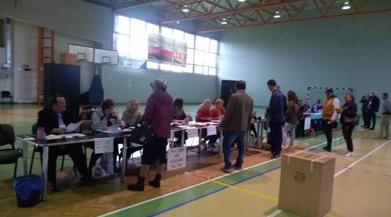 Lugoj Expres Lugojenii votează! Aproape 10.000 de alegători s-au prezentat la urne până la ora 14