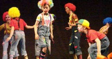 """Lugoj Expres Festivalul Interjudețean de Teatru Școlar """"G. A. Petculescu"""", la cea de-a XVII-a ediție Victoria teatru școlar teatru spectacole Sighișoara Oradea Lugoj festival Drobeta Turnu Severin Clubul Copiilor Lugoj Clubul Copiilor"""