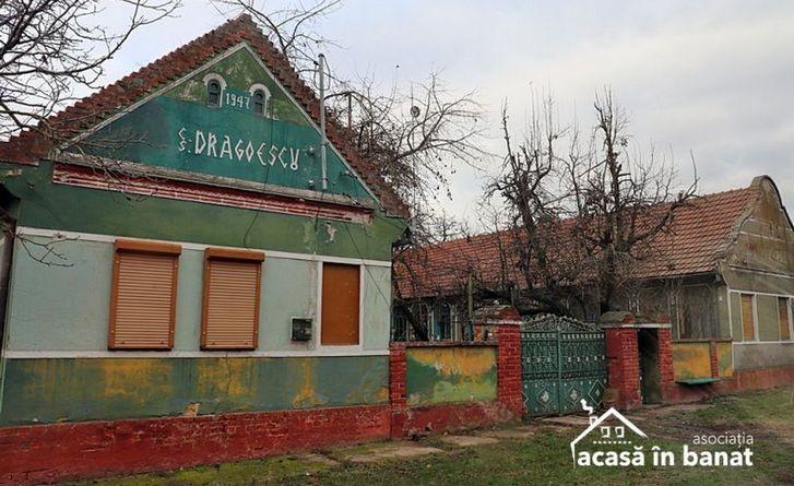 Lugoj Expres Acasă în Banat redă culoare satului bănățean: renovează 30 de case, în trei zile, la Racovița satul bănățean renovare Racovița proiect donații Colorează Satul. Color the Village case asociație arhitectura tradițională Acasă în Banat 30 de case