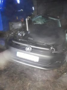 Lugoj Expres Mașină lovită de tren! Două persoane au fost rănite tren mașină lovită de tren locomotivă avariată circulație blocată cercetări Boldur accident feroviar accident