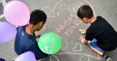 Lugoj Expres Se caută voluntari care să ajute copiii instituționalizați din Lugoj să ajungă mari voluntari training program educațional prieteni voluntari Lugoj înscriere copii instituționalizați copii centre de plasament Asociația Lindenfeld ajute Ajungem MARI
