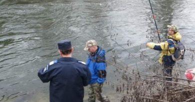 Lugoj Expres Pescari sancționați de jandarmi sancțiuni contravenționale râul Timiș pescuit pescari Lugoj jandarmi amenzi