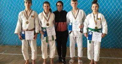 Lugoj Expres Patru medalii pentru judocanii de la CSȘ Lugoj, la Campionatul Național de cadeți U18 sportivi medalii judo CSȘ Lugoj campionatul național