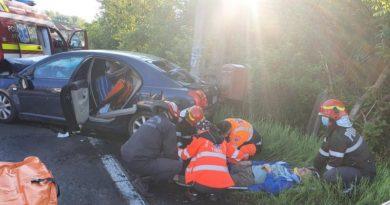 Lugoj Expres Două persoane rănite, într-un accident pe DN 68A / UPDATE: Un bărbat a decedat trafic persoane rănite Lugoj impact frontal DN 68A Deva Coșevița circulație închisă autoturism autotren accident