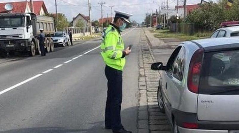 Lugoj Expres Polițiștii, în acțiune! Peste 500 de amenzi și 54 de permise de conducere reținute viteză sancțiuni contravenționale Polițiști permise reținute infracțiuni depășire certificate de înmatriculare amenzi acțiune accidente