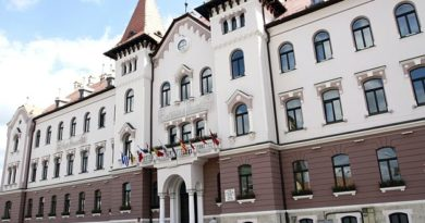 Lugoj Expres Consilierii lugojeni se întrunesc într-o nouă ședință vânzare terenuri stat de funcții sprijin financiar ședință proiecte Lugoj hotărâri Consiliul Local