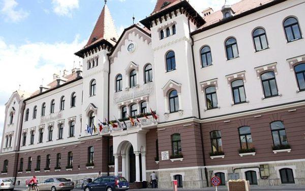 Lugoj Expres La Primăria Lugoj se reiau audiențele primăria lugoj audiențe