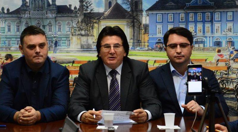 Lugoj Expres Consilierul independent Mihai Anghel, pe urmele lui Claudiu Buciu... în PNL PNL Lugoj Mihai Anghel s-a înscris în PNL Consilierul independent Mihai Anghel pe urmele lui Claudiu Buciu în PNL Claudiu Buciu