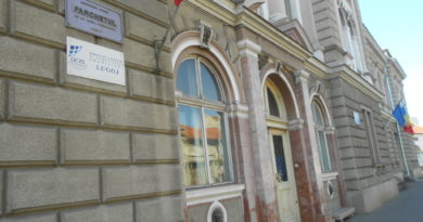 Lugoj Expres Procuror de la Parchetul Lugoj, eliberat din funcție procuror Lugoj procuror eliberat din funcție procuror pensionare Parchhetul Lugoj Parchetul de pe lângă Judecătoria Lugoj funcție decret