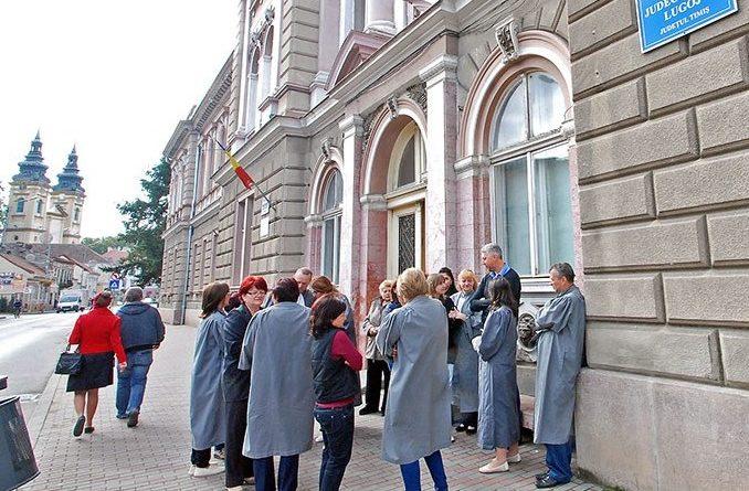 Lugoj Expres Grefierii lugojeni au protestat, din nou, în stradă protest in stradă grefierii lugojeni