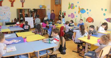 """Lugoj Expres Începe înscrierea copiilor în clasa pregătitoare Școala Gimnazială """"Anișoara Odeanu"""" Lugoj Lugoj înscrierea în învățământul primar înscrierea copiilor începe înscrierea clasa pregătitoare"""