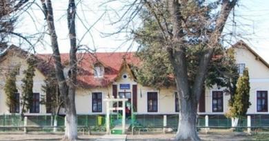 Lugoj Expres Două adolescente au dispărut din Centrul de Plasament Lugoj Polițiști minore dispărute Centrul de Plasament Lugoj adolescente