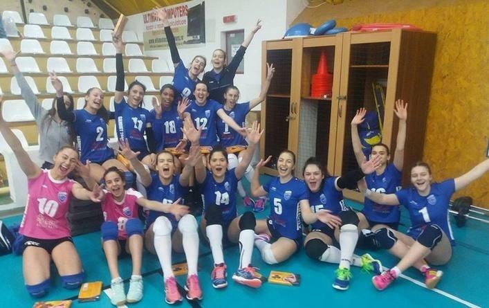 Lugoj Expres CSM Lugoj - victorie clară cu CSU Galați, pentru un loc în prima grupă valorică voleibalistele lugojence volei DiviziaA1 victorie prima grupă valorică CSM Lugoj - CSU Galați 3-0 CSM Lugoj