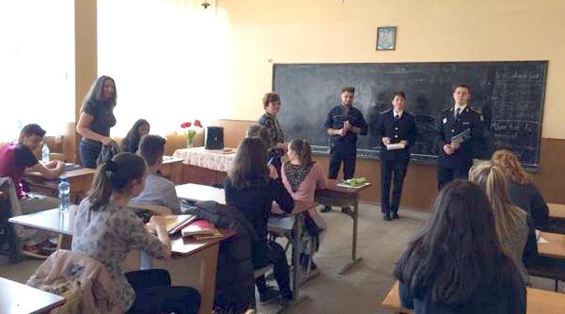 Lugoj Expres Campanie de recrutare în liceele din Lugoj și Buziaș a candidaților pentru școlile de ofițeri și subofițeri de penitenciare Centrul Educativ Buziaș campanie de promovare admitere academia de poliție