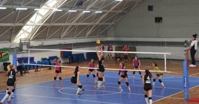 Lugoj Expres Voleibalistele de la CSȘ Lugoj luptă pentru un loc în finala Campionatului Național volei turneu semifinal junioare CSȘ Lugoj