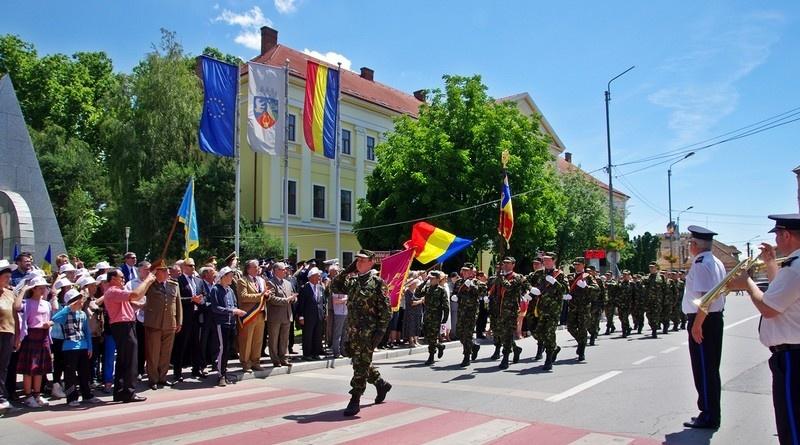 Lugoj Expres Ziua Eroilor, marcată la Lugoj ziua eroilor Lugoj Înălțarea Domnului depuneri de coroane Cultul Eroilor ceremonial