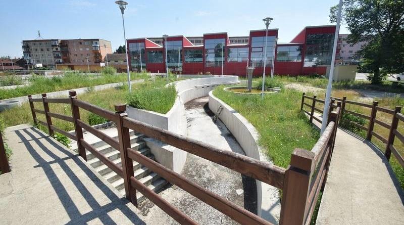Lugoj Expres Primăria Lugoj anunță reînceperea lucrărilor la Ștrandul Municipal și... reduceri pentru lugojeni la Aquapark-ul din Mako (Ungaria) vești bune ștrand reduceri la ștrand parteneriat Lugoj - Mako lugojeni lucrări reluate aquapark
