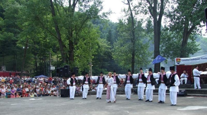 Lugoj Expres Festival folcloric la Valea lui Liman valea lui liman Tomești tineret nedee folclor festival ansambluri