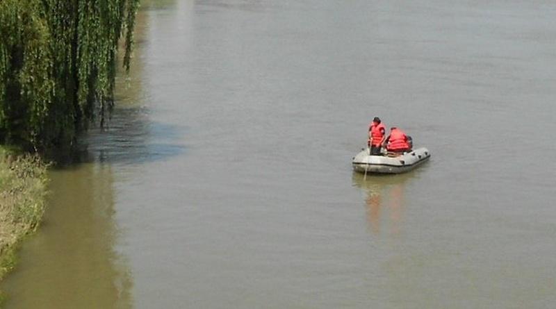 Lugoj Expres Pompierii caută un bărbat dispărut în râul Timiș râul Timiș pompierii Lugoj ISU Timiș înecat bărbat dispărut