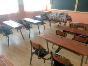 """Lugoj Expres """"Ghiozdanul pentru școală"""", de la Rotary Lugoj Rotary Club Lugoj Rotary Ghiozdanul pentru școală familii defavorizate copii abandon școlar"""
