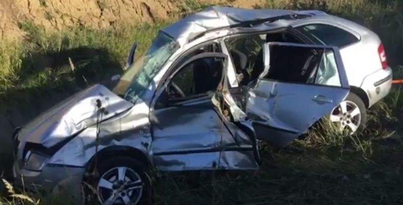 Lugoj Expres Autoturism spulberat de un TIR, pe centura Lugojului. Două persoane au murit și una a fost rănită grav coliziune centura Lugojului accident mortal accident grav accident