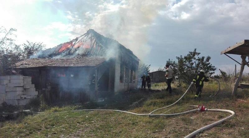 Lugoj Expres Incendiu violent, într-o localitate de lângă Lugoj (FOTO) pompieri ISU Timiș incendiu Hezeriș foc Detașamentul de Pompieri Lugoj Coșteiu casă cuprinsă de flăcări