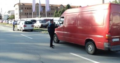 Lugoj Expres Controale pe șosele! Vizați sunt șoferii de microbuze, autobuze și transportatorii de mărfuri Truck & Bus transport marfă șosele șoferi Polițiști microbuze controale autovehicute autobuze acțiune