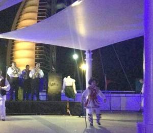 """Lugoj Expres Ansamblul """"Lugojana"""", spectacol de Ziua Națională la invitația Consulatului României din Dubai turneu spectacol folcloric recepție Lugojana folclor Dubai Consulatul României ansamblu"""