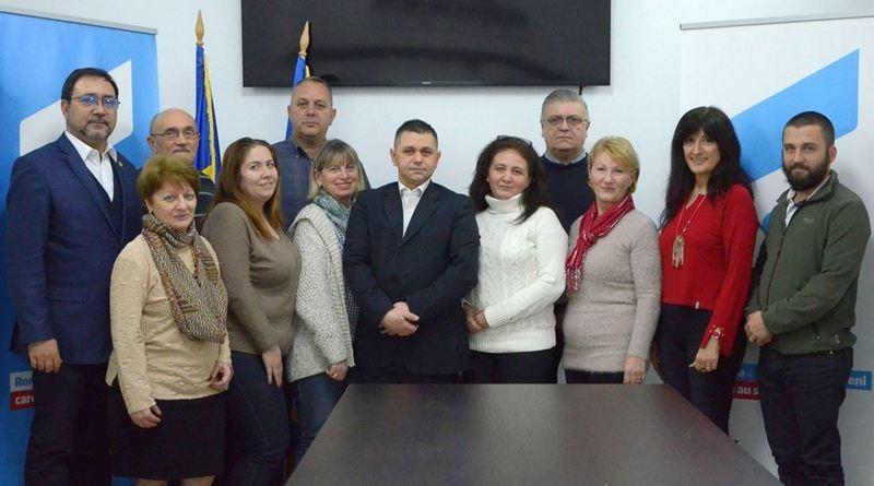 Lugoj Expres USR are filială la Lugoj. Și un consilier local... USR Timiș USR Lugoj USR Uniunea Salvați România Liviu Brândușoni consilier local