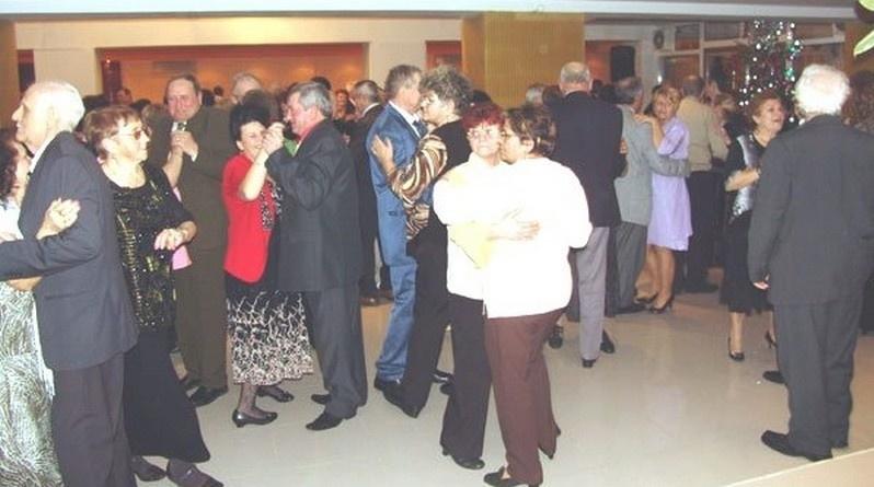 Lugoj Expres Petrecere pentru pensionarii lugojeni, la început de an restaurant petrecere pensionari eveniment bugetul local bilete Asociația Națională a Cadrelor Militare în Rezervă și Retragere