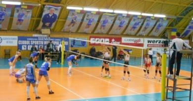 Lugoj Expres De la agonie, la extaz! CSM Lugoj a învins Dinamo, în tie-breack volei victorie play-off meci disputat luptă extaz Divizia A1 Dinamo București CSM Lugoj agonie