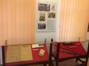Lugoj Expres În Noaptea Muzeelor, peste 1.000 de vizitatori au trecut pragul Muzeului de Istorie din Lugoj vizitatori vernsaj noaptea muzeelor muzeul din Lugoj expoziție centenarul Marii Uniri