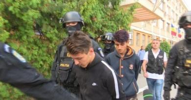 Lugoj Expres Cei doi tineri, care au omorât un taximetrist din Lugoj, și-au aflat sentința tineri taximetrist ucis taximetrist sentință omor Lugoj Darova criminal crimă centru reeducare