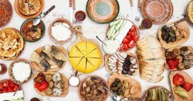 Lugoj Expres Eveniment caritabil: Tradiții bănățene în an centenar tradiții bănățene PSD Lugoj produse tradiționale OFSD Lugoj OFSD eveniment caritabil degustare