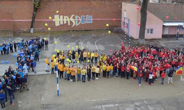 """Lugoj Expres Concursul 1/10/100, la HasdEU Ziua Națională școli premiu Liceul Teoretic """"Iulia Hasdeu"""" Lugoj Hasdeu elevi concurs centenar"""