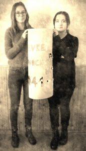 """Lugoj Expres Sclipiri în noaptea Holocaustului, la Liceul Teoretic """"Iulia Hasdeu"""" victime sclipiri în noaptea Holocaustului proiect pogrom Liceul Teoretic """"Iulia Hasdeu"""" Lugoj holocaust elevi comemorare"""