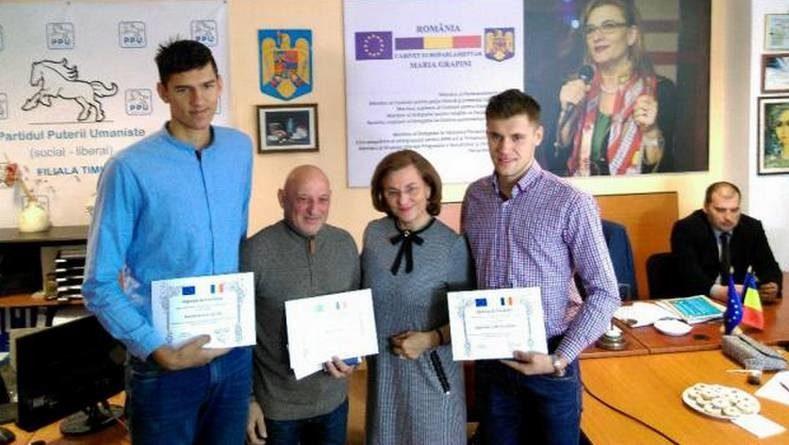 Lugoj Expres Un gimnast lugojean, premiat de europarlamentarul Maria Grapini sportivi premiere Norbert Marcu Maria Grapini Lugoj gimnast europarlamentar