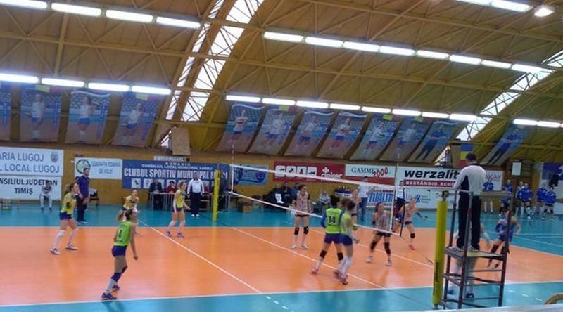 Lugoj Expres CSM Lugoj a ratat șase mingi de set cu CSM București voleibaliste volei meci Divizia A1 CSM Lugoj CSM București
