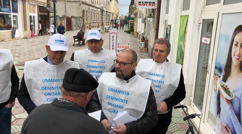 Lugoj Expres Caravana Umaniștilor a ajuns și la Lugoj umaniștii semnături PPU(s-l) pensionari Partidul Puterii Umaniste experiență profesională Cristian Popescu Piedone Caravana Umaniștilor campanie