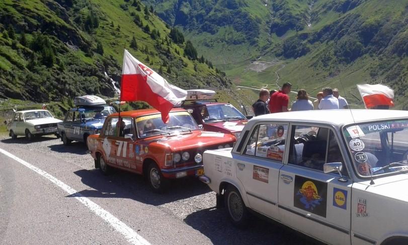 """Lugoj Expres Caravana automobilistică """"GO Romania!"""" ajunge la Lugoj tur al orașului Lugoj Go România caravana automobilistică caravana autoturisme de epocă automobile de epocă"""